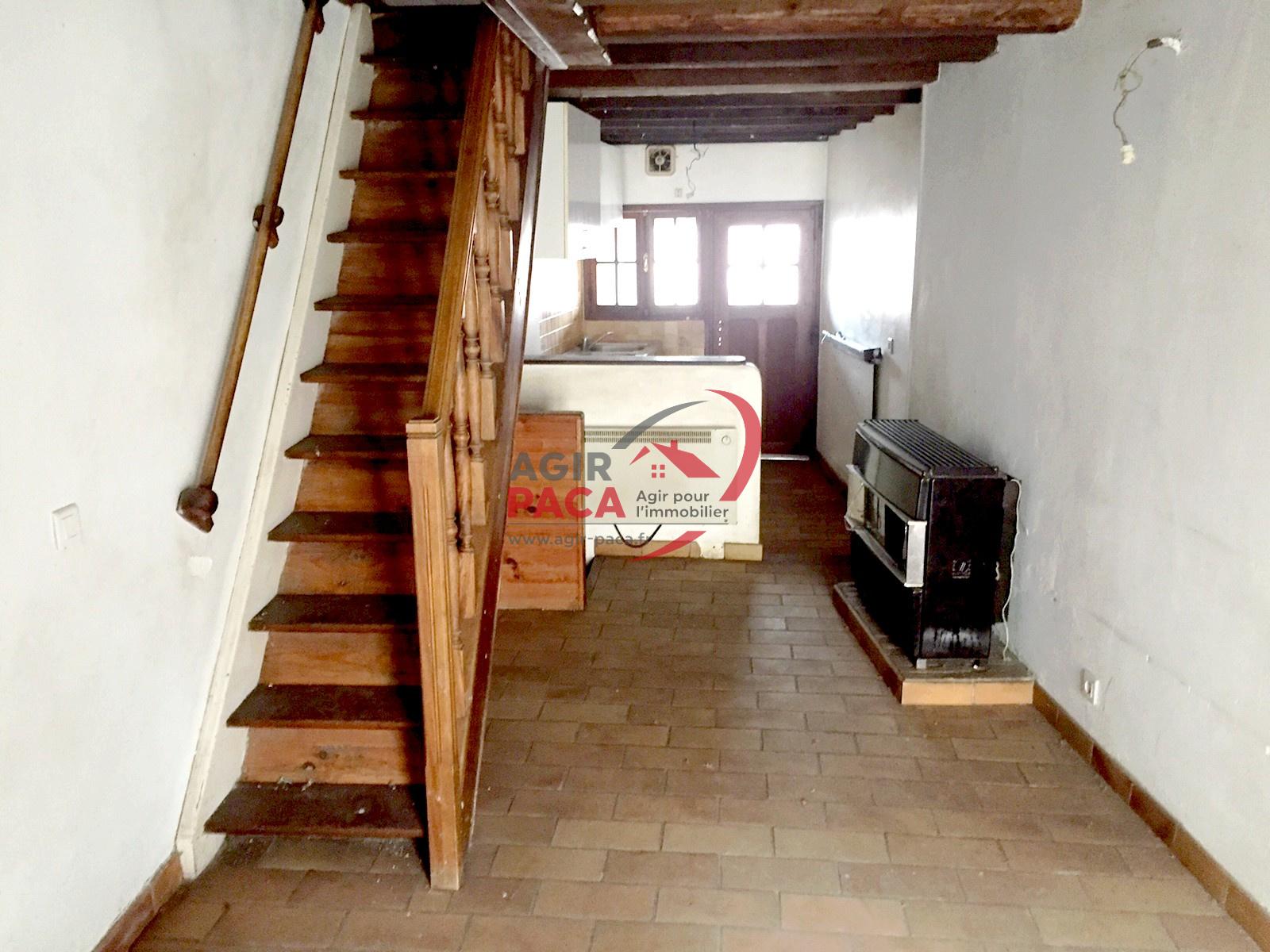 vente grand 3 pi ces id al investisseurs ou premi r achat. Black Bedroom Furniture Sets. Home Design Ideas